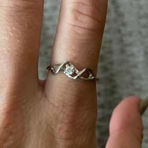 Size 7 Silver Diamond Ring